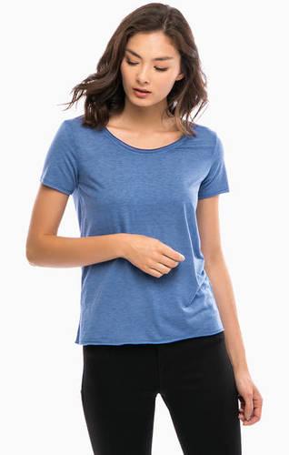 Однотонная футболка с круглым вырезом