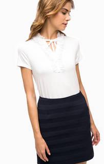 Белая футболка с оборками More & More