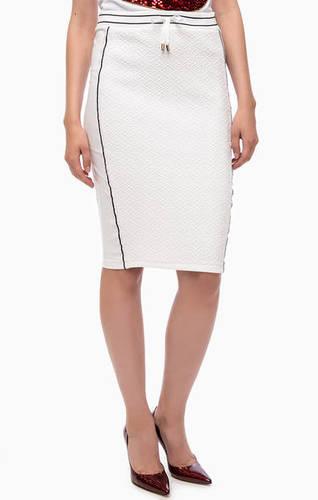 Белая трикотажная юбка