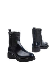 Полусапоги и высокие ботинки Mally