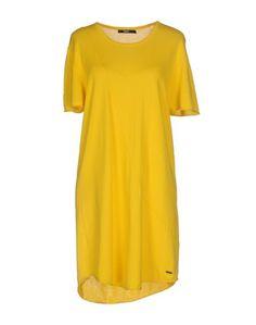 Короткое платье Tigha