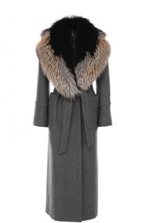 Приталенное пальто из кашемира с меховой отделкой Kiton