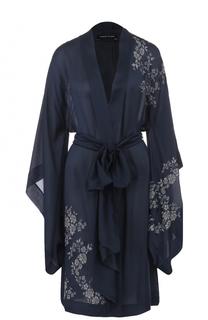 Шелковый халат с поясом и кружевной отделкой Carine Gilson