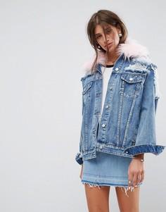 Рваная джинсовая куртка с отстегивающимся меховым воротником ASOS - Синий