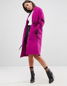 Пальто с контрастной шнуровкой ASOS - Фиолетовый