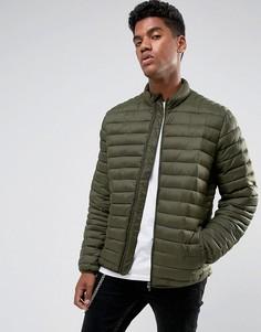 Стеганая куртка цвета хаки с воротником-трубой ASOS - Зеленый