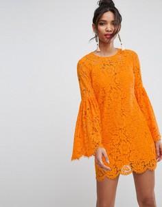 Кружевное платье мини с расклешенными рукавами ASOS - Оранжевый