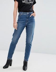 Джинсы в винтажном стиле с завышенной талией и необработанными краями Cheap Monday - Синий