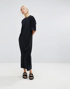 Платье-футболка макси с асимметричным краем House Of Sunny - Черный
