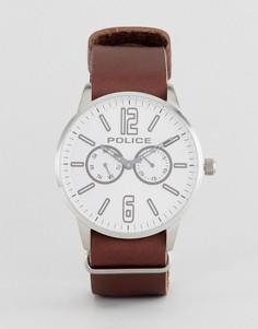 Коричневые часы с белым циферблатом Police Esquire - Коричневый
