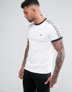 Белая футболка узкого кроя с лентой на рукавах Fred Perry Sports Authentic - Белый