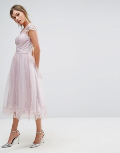 Кружевное платье миди Chi Chi London Premium - Коричневый