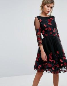 Платье для выпускного с длинными рукавами и цветочной вышивкой Chi Chi London - Черный