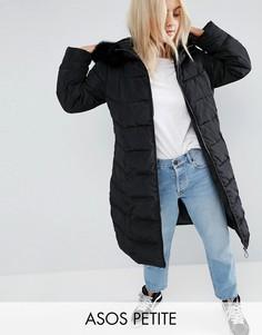Длинное дутое пальто с меховой оторочкой на капюшоне ASOS PETITE - Черный