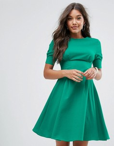 Короткое приталенное платье с V-образным вырезом на спине Little Mistress - Зеленый