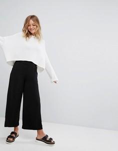 Укороченные брюки Monki - Черный