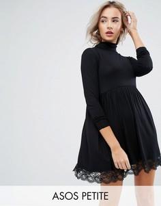 Короткое приталенное платье с воротником поло и кружевной отделкой ASOS PETITE - Черный