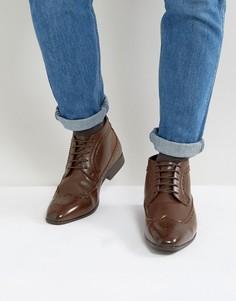Коричневые ботинки чукка с перфорацией ASOS - Коричневый