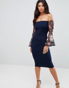 Платье с широким вырезом и вышивкой Club L - Темно-синий