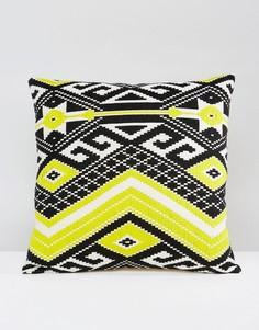 Чехол на подушку с вышивкой Ashiana - Черный