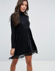 Короткое приталенное платье с воротником поло и кружевной отделкой ASOS - Черный