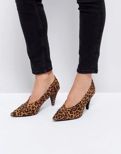 Туфли на каблуке-рюмочке с леопардовым принтом RAID - Мульти