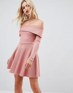 Короткое приталенное платье в рубчик с открытыми плечами ASOS PREMIUM - Розовый