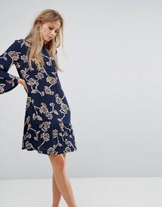 Свободное платье с цветочным принтом Y.A.S - Синий
