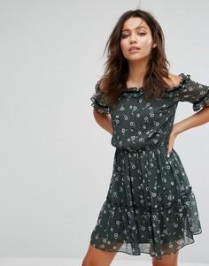 Платье с открытыми плечами и цветочным принтом Miss Selfridge - Мульти