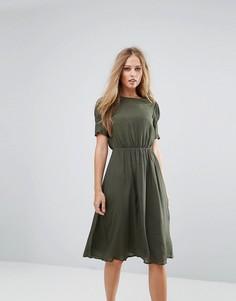 Платье с присборенной талией Y.A.S - Зеленый