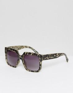 Квадратные солнцезащитные очки в черепаховой оправе Pieces - Черный