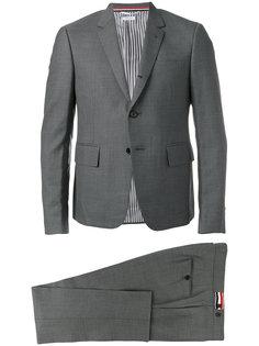 деловой костюм Thom Browne
