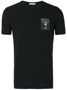 футболка с фирменной нашивкой Versace Jeans