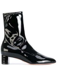Emme Stretch boots Oscar Tiye