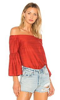 Блуза с открытыми плечами и рукавами-колокол - 1. STATE