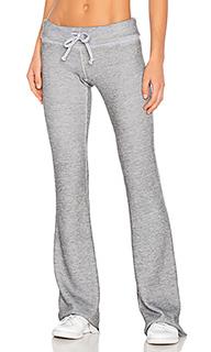 Расклешенные спортивные брюки fitted - Wildfox Couture