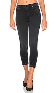 Укороченные джинсы средней посадки с потрепанным подолом - J Brand