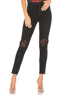 Супер привлекательные джинсы с потрепанным низом - MOTHER