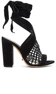 Туфли на каблуке bampy - Schutz