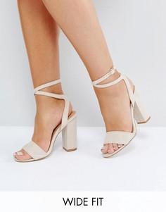 Босоножки на каблуке для широкой стопы с ремешком вокруг щиколотки Truffle Collection - Бежевый