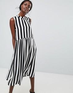 Платье в полоску с высоким воротом Y.A.S - Черный