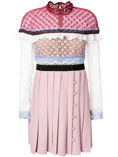 вязаное крючком платье с плиссированной юбкой Self-Portrait