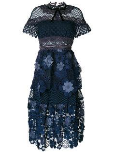 платье с сетчатыми вставками и 3D цветами  Self-Portrait