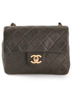 стеганая мини-сумка с откидным клапаном Chanel Vintage