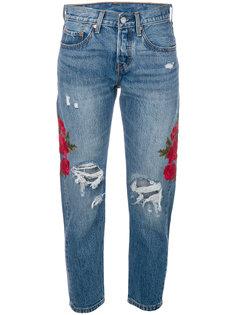 укороченные состаренные джинсы с вышивкой  Levis Levis®