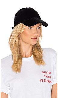 Бархатная бейсбольная кепка - Hat Attack