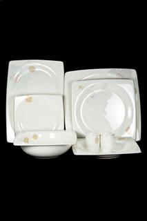 Сервиз столовый 23 пр, 6 пер. Royal Porcelain Co