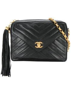 сумка с поворачивающейся застежкой и подвеской-кисточкой Chanel Vintage