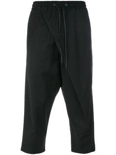 укороченные брюки  с эластичным поясом D.Gnak