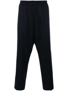 спортивные брюки с заниженной проймой Juun.J